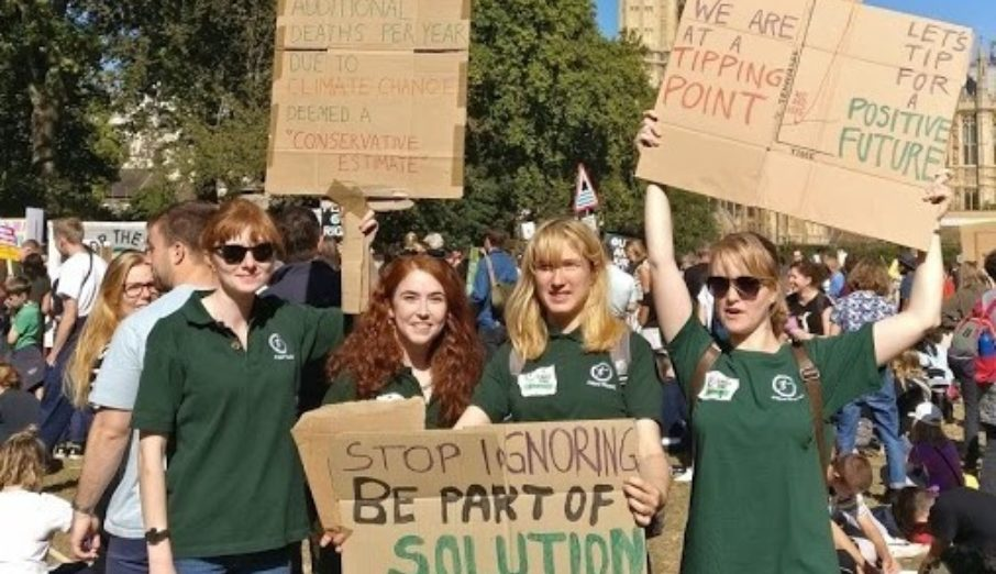 On Friday 20th September, members of Paper Round SWAG (Sustainability & Wellness Action Group) took to London's streets to join the Global Climate Demonstration